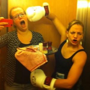 Liftmeisjes in de lift